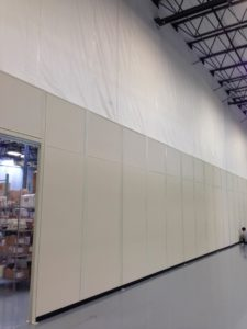 Warehouse dividing wall